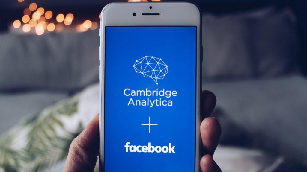 الفيس بوك وفضيحة كامبريديج اناليتيكا